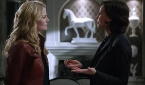 Emma & Regina in Desperate Souls