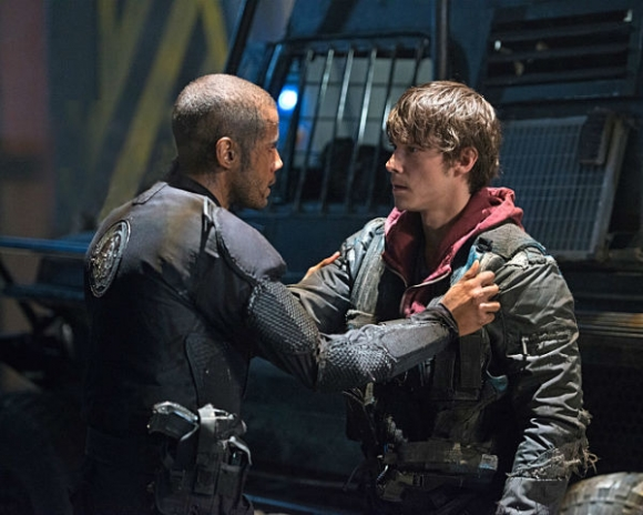 "The 100's Jarod Joseph as ""Nathan Miller"" and Jonathan Whitesell as ""Bryan"" Credit: The CW"