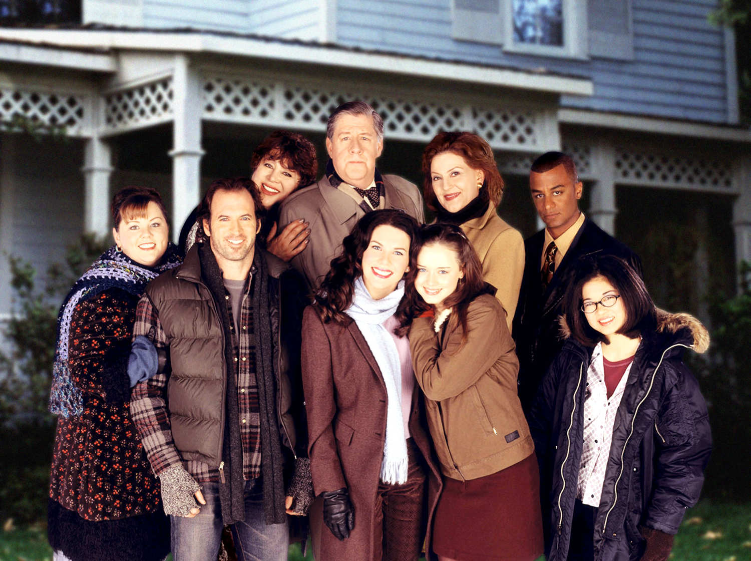 Isn't this the most amazing photo of all time? It looks like they got together at Sears to take this. I was searching for Gilmore GIrls photos on the Internet, this popped up, and I HAD to use it.