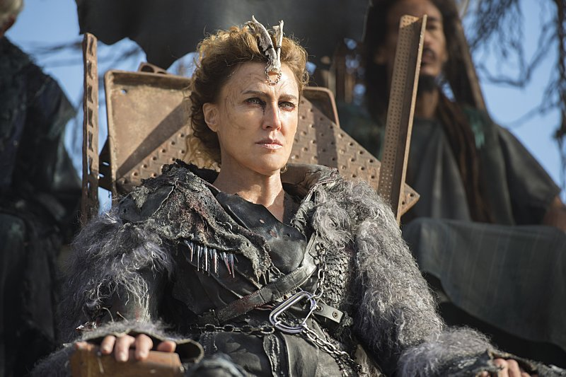 "Credit: The CW | Brenda Strong as ""Queen Nia"""